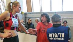 Výškařku Hrubou prohnaly domácí konkurentky. Talentu pomáhá bojovnost a slavný kouč