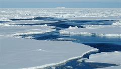 Arktidu za patnáct let nebude pokrývat led, tvrdí vědci. Zájem o oblast dlouhodobě projevuje Čína