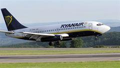 Další česká štace: Ryanair začne od října létat z Pardubic do Londýna