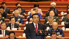 Růst ekonomiky o 6,5 procenta i 'opět modrá obloha', plánuje čínský premiér