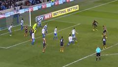VIDEO: Nejnáhodnější gól všech dob? Diamé se ani nedíval na bránu