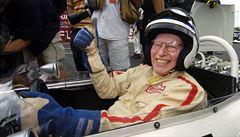 Zemřel legendární Brit Surtees, jediný mistr světa formule 1 i na motorkách