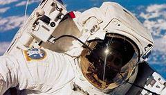 'Je to planeta Země?' Astronaut omylem telefonoval z vesmíru důchodkyni