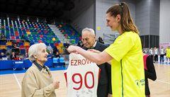 Pěkný dárek legendě Ezrové. Basketbalistky USK srovnaly sérii s Orenburgem