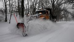 Doprava v USA kolabuje. Kvůli sněhové bouři zrušili tisíce letů, teploty klesají k minus 40 stupňům