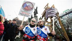 Václavské náměstí 'ovládli' myslivci. Demonstrovali proti zbraňové směrnici EU