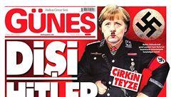 'Frau Hitler'. Turecký list nakreslil Merkelovou jako nacistického vůdce