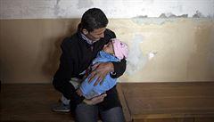 Syrské ženy rodí mrtvé a postižené děti. Může za to válka