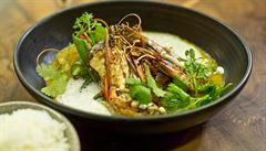 VIDEORECEPT: Žluté kari s tygřími krevetami podle šéfkuchaře z Mandarinu