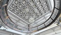 Skvělá moderna v Jaroměři? Výjimečný Wenkeův obchodní dům od Gočára