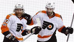 Kdo zdolá bájnou hranici 100 bodů v NHL? Nakročeno má i Voráček