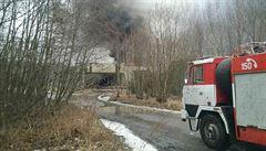 Požár haly s plasty na Kladensku zřejmě napáchal škodu 100 milionů korun
