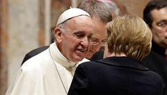 Italské tiskové agentury stávkují. Nebudou psát o summitu ani o papeži