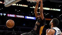 NBA: Booker nastřílel jako šestý hráč historie NBA sedmdesát bodů