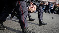 Ruská policie na moskevských protestech zadržela přes tisíc lidí