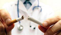 Nemocnice v USA odmítají zaměstnávat kuřáky, vycházejí draho