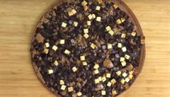 Hnus nebo pochoutka? V Německu se začne prodávat 'čokoládová pizza'