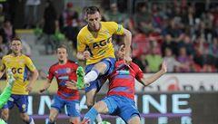 Plzeň pouze remizovala s Teplicemi, Slavia může jít po výhře v derby do čela