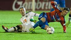 Plzeň v premiéře pod trenérem Bečkou vydřela výhru 1:0 v Hradci a vede o 4 body