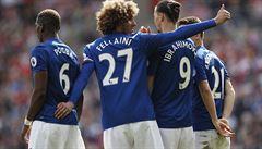 Manchester přehrál 3:0 Sunderland a dál sní o Lize mistrů, Leicester padl