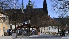 Na Pražském hradě byly postaveny nové kontrolní přístřešky