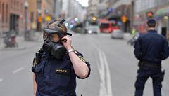Na místě je chaos, lidé se snaží dostat do centra pro děti, líčí Čech ze Stockholmu