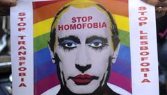 Za 'homosexuálního' Putina s make-upem 5 let vězení? Rusko zakázalo karikatury prezidenta