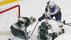 Zneužívání, nebo využívání? Proč se gólmani v NHL chovají dobrovolně jako šašci
