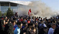 Evropská liga: v Lyonu se začalo kvůli řádění fanoušků později, United jen remizovali