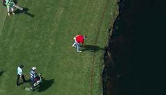VIDEO: Nebezpečné setkání. Golfista odmítal odpálit míček kvůli aligátorovi