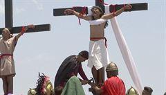 Věřící si na Filipínách připomněli umučení Krista přibitím na kříž