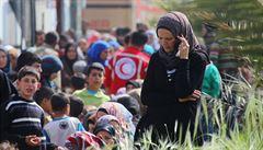 Mezi 126 oběťmi útoku atentátníka na konvoj uprchlíků u Aleppa bylo 68 dětí