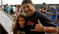 Kapela Korn nabrala dvanáctiletého baskytaristu. Je to syn basáka z Metallicy