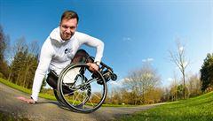Až na vozíku si člověk získá vztah ke sportu, říká mnohostranný sportovec Sýkora