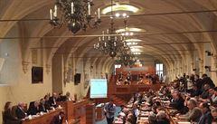 Banky nebudou muset poskytovat státu více údajů o transakcích, senátoři ODS vrátili předlohu do Poslanecké sněmovny