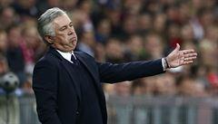 Počítali jsme se vším, jen ne s rozhodčím, štve Ancelottiho po třech hrubkách