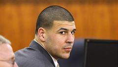 Bývalá hvězda NFL Hernandez se oběsil ve vězení, kam byl odsouzen za vraždu