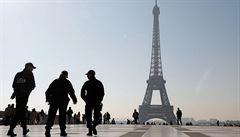 Militantní vegani v Paříži zaútočili na stánek s bio masem. Řezníkovi polili hlavu falešnou krví