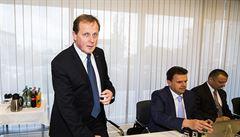 Dvořák má Radě ČT vysvětlit údajný střet zájmů. Lipovskou do televize doprovázela policejní ochranka