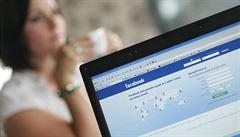 Facebook může za šíření syfilidy,  tvrdí britský badatel