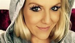 VIDEO: Jak se vám líbí? Půvabná blondýna nazpívala hymnu hokejového MS