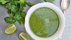 Super zdravá zelená polévka. Bylinky však nevařte, jen rozmixujte