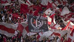 Slavia kvůli urážkám na Kangu začne sezonu se zavřenou Tribunou Sever