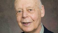 Zemřel ekonom, který věděl, kolik vybrat z bankomatu. Baumol se dožil 95 let