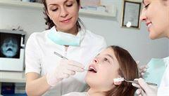 Nový zub na počkání a léčba ozonem. Jaké novinky nás čekají u zubaře?