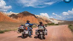 NOMÁDI: Cestování na motorkách. Přes Írán a Mongolsko až do Japonska