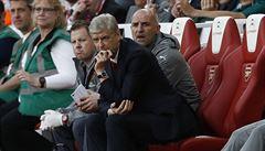 Loni bylo pozdě. Wenger prováhal pravou chvíli k odchodu z Arsenalu