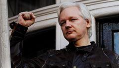 Assange prý může přijít o azyl během pár dnů či jen hodin