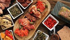 Paella a nejlepší tapas ve městě. Kam se vydat za španělskou kuchyní?