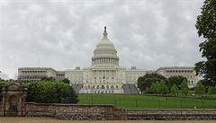 Vláda USA stále nemá dost peněz, ale senát USA opět odložil hlasování o rozpočtovém provizoriu